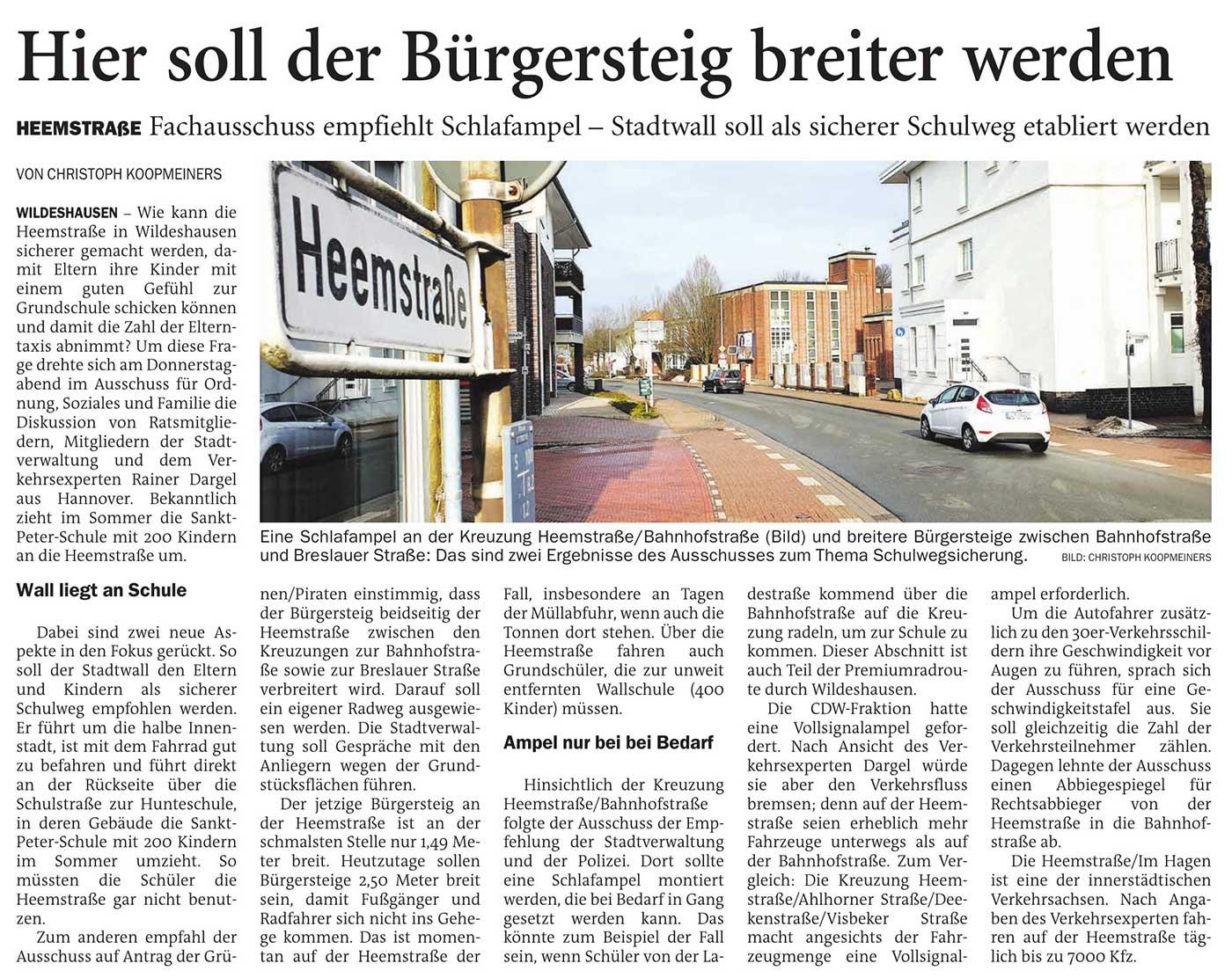 Hier soll der Bürgersteig breiter werdenHeemstraße: Fachausschuss empfiehlt Schlafampel - Stadtwall soll als sicherer Schulweg etabliert werdenArtikel vom 20.02.2021 (NWZ)